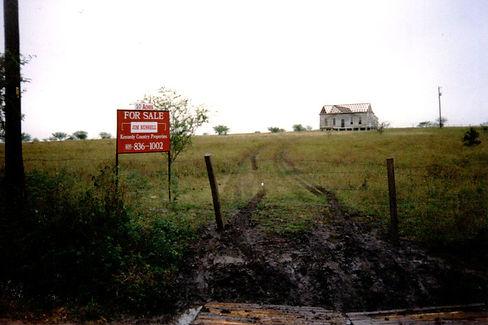 original farmhouse pic3.jpg