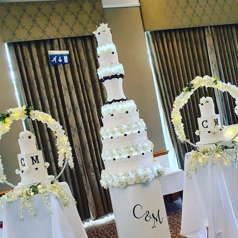 Cake Podium Wedding