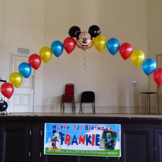 Micky Balloon Arch