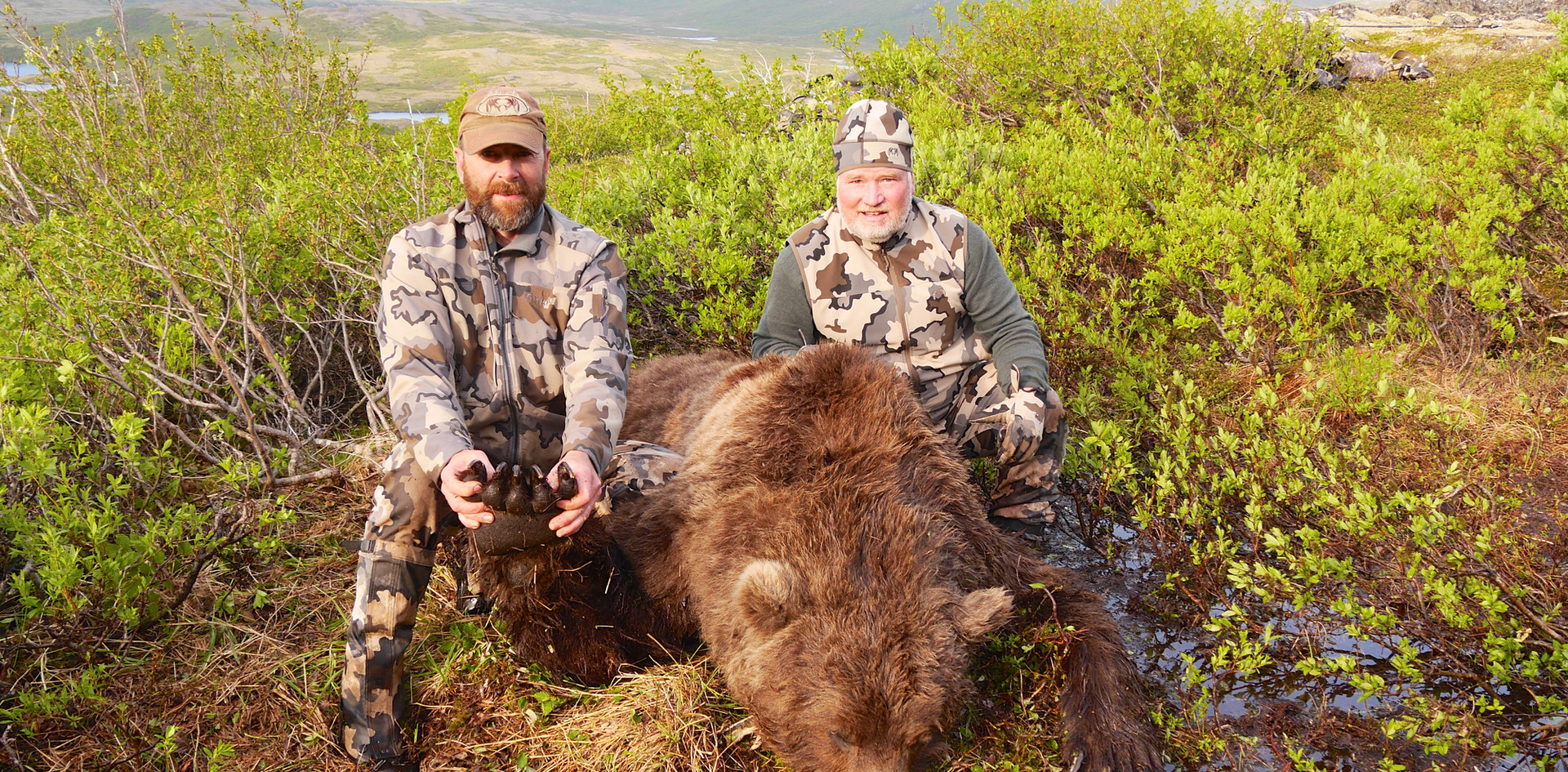 Ray Reeser with a 10' Brown Bear