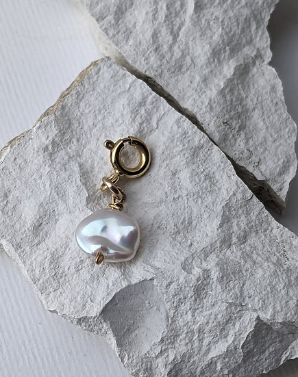 The pearl Charm