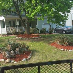 mulching and edging, red mulch, front ya