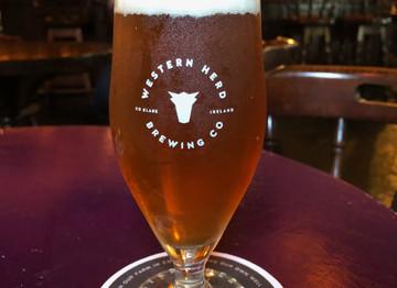 Ennis: Western Herd/McHugh's Pub