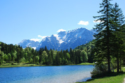 lake-in-the-alps-1335422