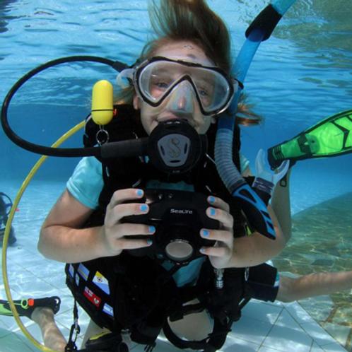 Aula de Ambientação de Mergulho para Crianças