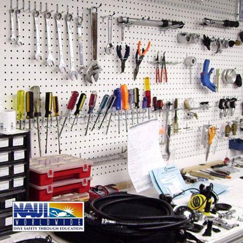 NAUI Equipment Repair - Manutenção de Equipamentos