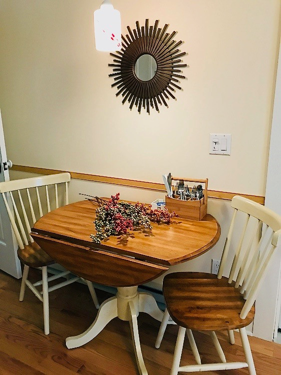11470_largeapartment_103_dining_area-3.j