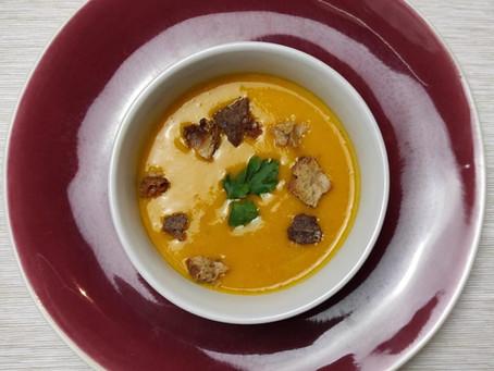 Velouté de potimarron, pointe de curry