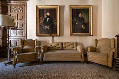 old-salon-mansion-with-large-paintings-w