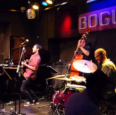 """Lesath y Shaulá"", from the CD ""Caminos"" - Live at Bogui Jazz Club (Madrid, 2015)."