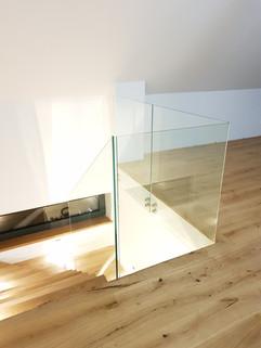 balustrada szklana schodowa wewnętrzna