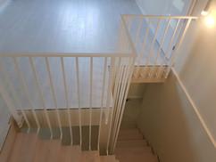 biała balustrada