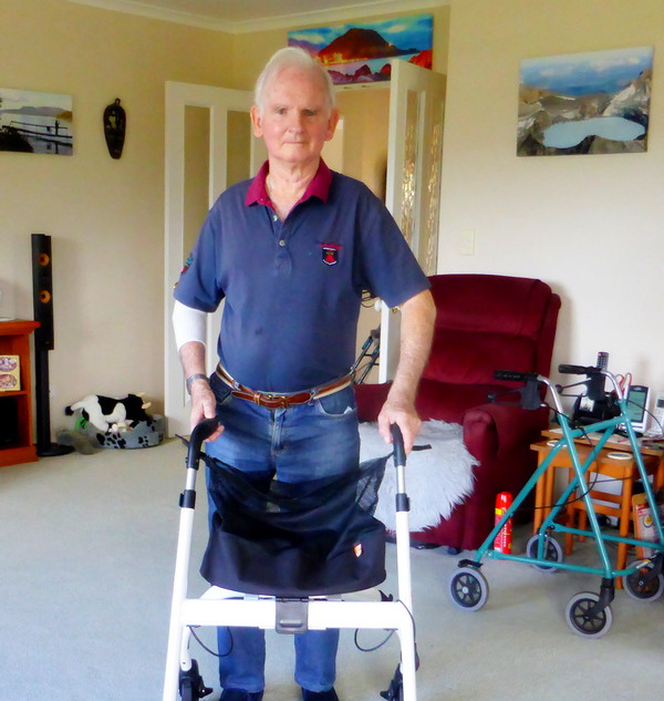 nip-glide balance walker:walking frame.j