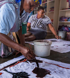 Paint your own cloth at Twananani