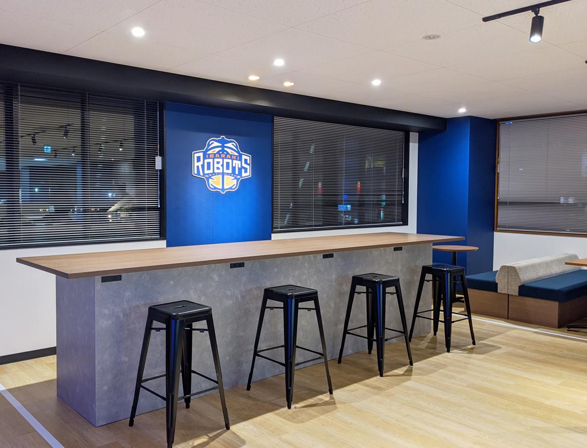 """プロバスケチーム""""茨城ロボッツ""""に、新オフィスで新しい風を"""