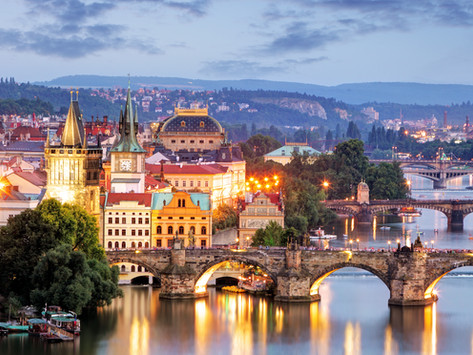 Things to do in Prague | Where to Stay | Where to Eat | 2 Day Itinerary!