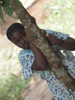 jeune fille l'ile aux Épices, Tanzanie, Afrique © niesim