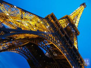 Sous la robe de La Tour Eiffel, Paris, France © niesim