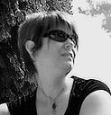 Annie Simard, À PROPOS, niesim, graphiste photographe, Spécialiste en retouche photographique