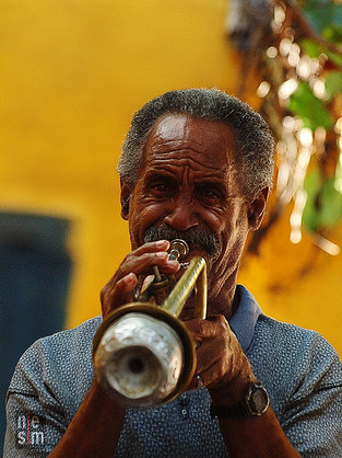 Homme et sa trompette, Viva Cuba!!! © niesim