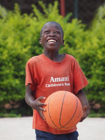 Sourire d'un garcon, amani children's home, Moshi, Tanzania © niesim