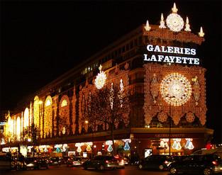 les Galerie Lafayette à Noël, Paris, France © niesim