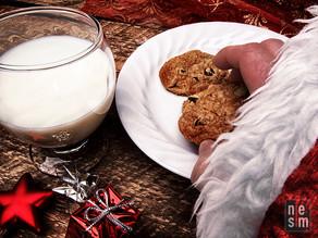 Mais qui mange un biscuit...le Père Noël  © niesim
