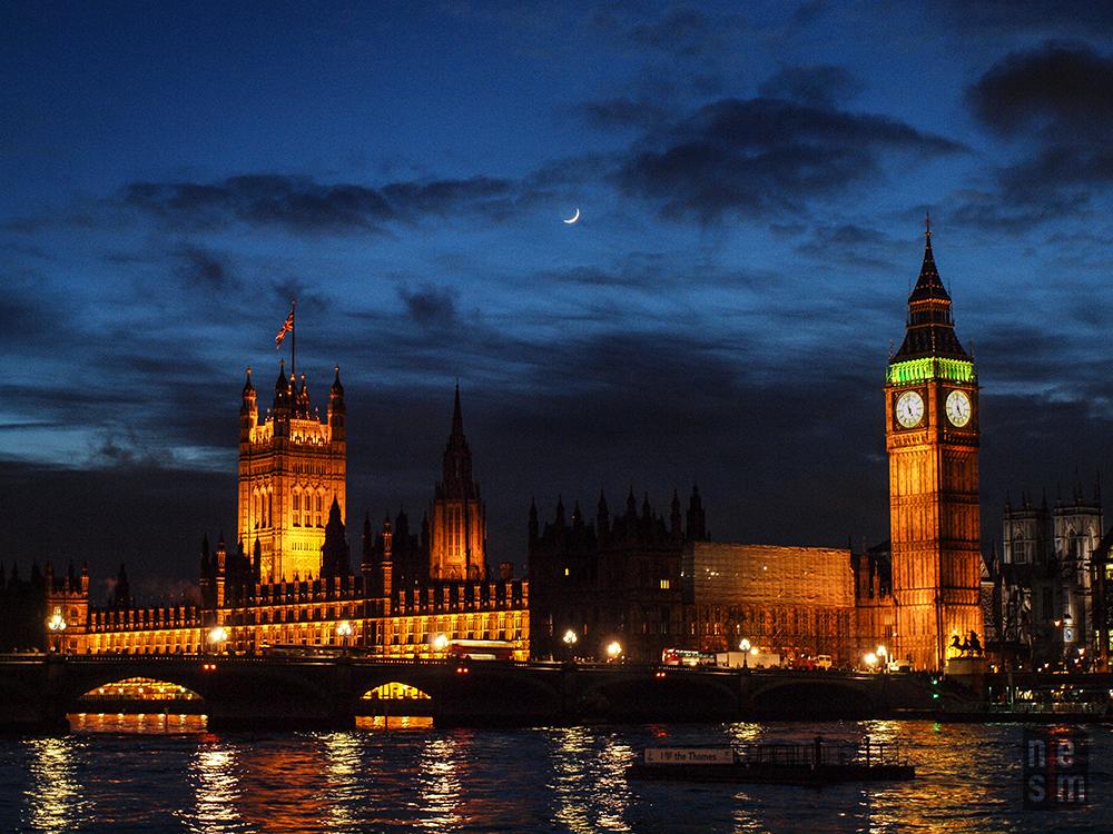 Big Ben sous le clair de lune niesim