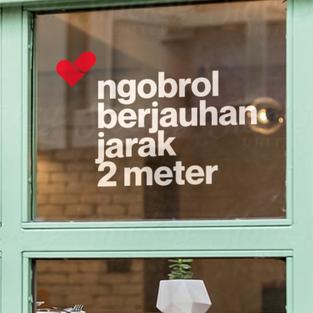 Stiker Ngobrol Berjauhan