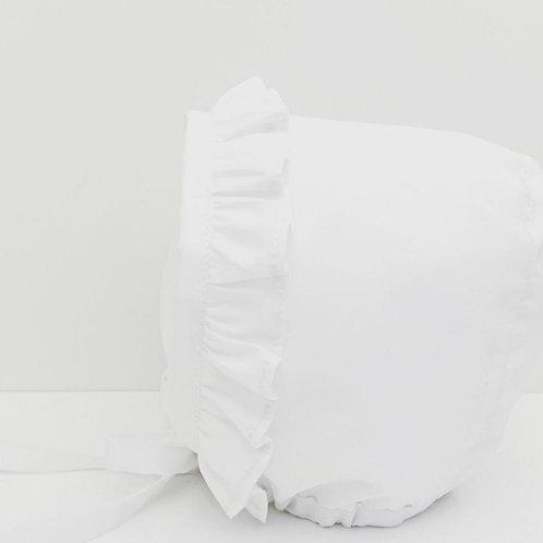touca branca folho para trás