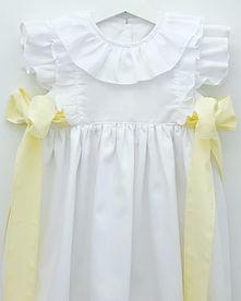 vestido branco laços amarelos.jpg