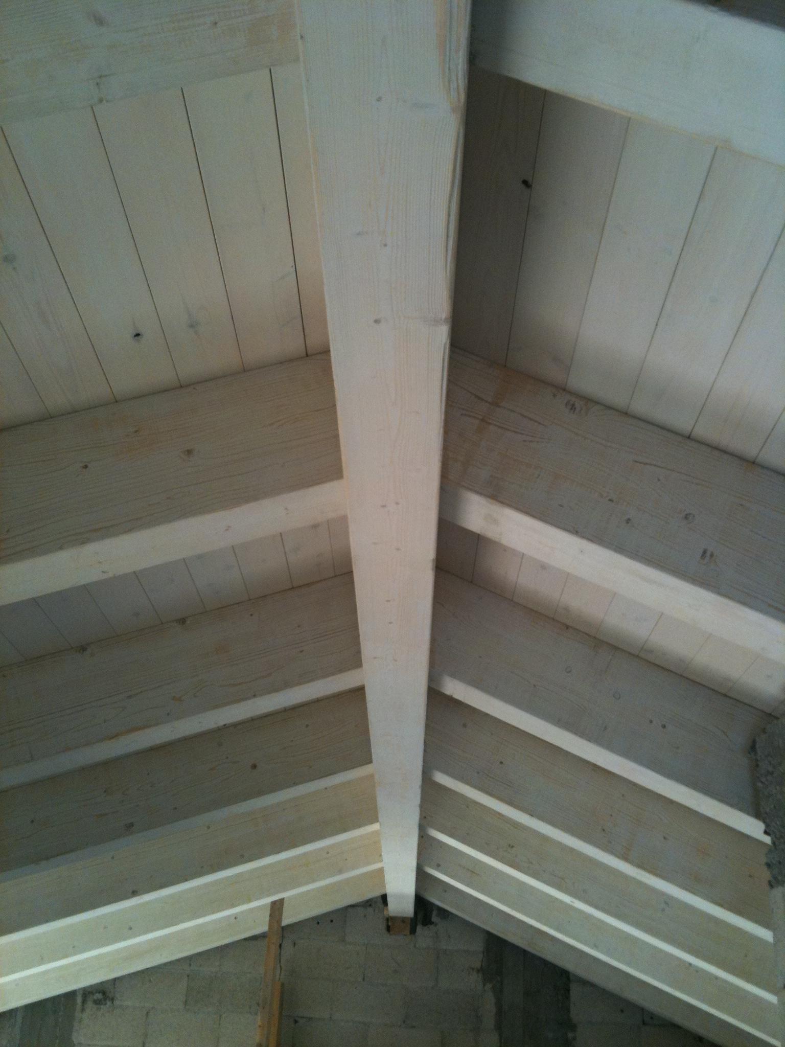 תקרה מעץ דו שכבתי ורב שכבתי לבן 101