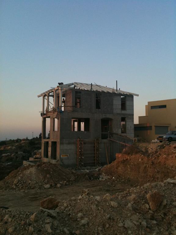 בניית השלד