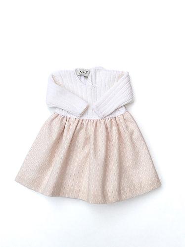 Baby pink long dress with leaves/ Cueiro bebé cor de rosa com folhas