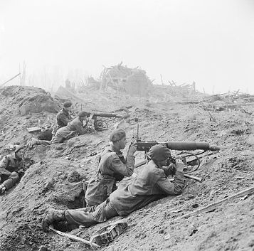 British_commandos_in_the_shattered_outskirts_of_Wesel.jpg