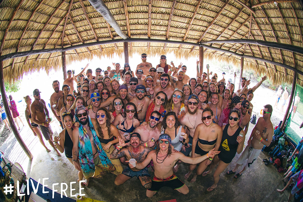 FnEZ Final FIesta Nicaragua Live Free Family Photo