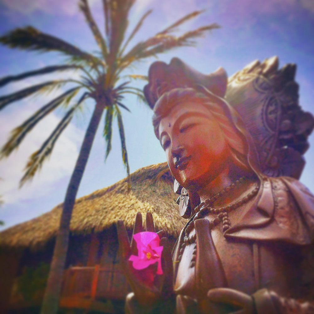 tropical zen bliss statue at present moment yoga retreat resort in troncones mexico, photo by author john early