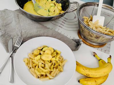 Super schnelles Curry Geschnetzeltes mit Banane und Nudeln aus der Wok Pfanne von Pampered Chef®