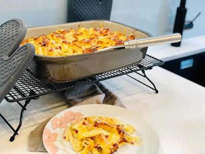 Nudelauflauf Hawaii aus der rechteckigen Ofenhexe® | Pampered Chef®