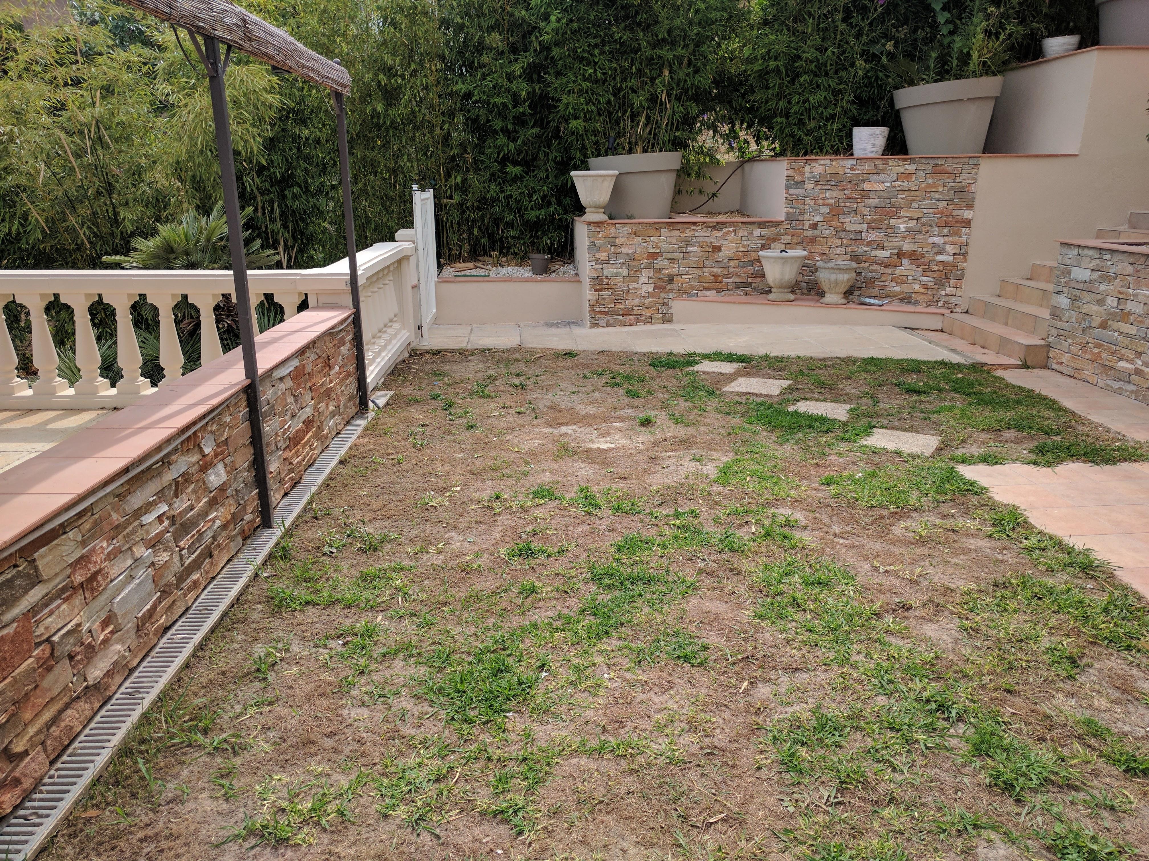 Voor aanleg: Kunstgras Mandelieu