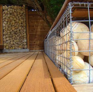 Aanleg van houten terrassen, Saint Aygulf