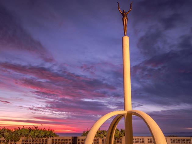 Sunrise at the Spirit of Napier Fountain
