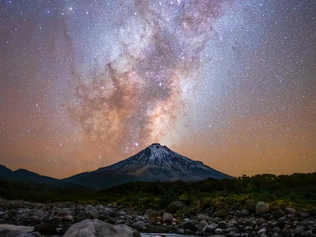 Milky Way over Mt Taranaki