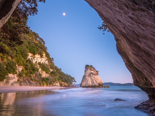 Te Hoho Rock Sunrise Cathedral Cove