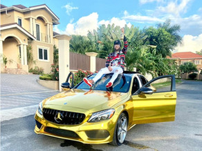 Gold Gad flashes new gold 'US$100,000' Benz