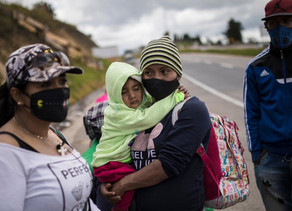 Venezuelans once again fleeing on foot as troubles mount at home