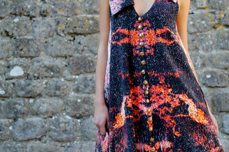 THE STORY OF VOLCANO DRESS: 80 PAGES, 40 PHOTOS AT ONLY 0,99 EURO (E-BOOK ONLINE AT HOPES STORE)