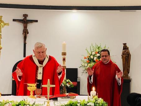 Dedicacion del altar de la capilla de Mother of Christ , presidida por el Arzobispo  Thomas Wenski.