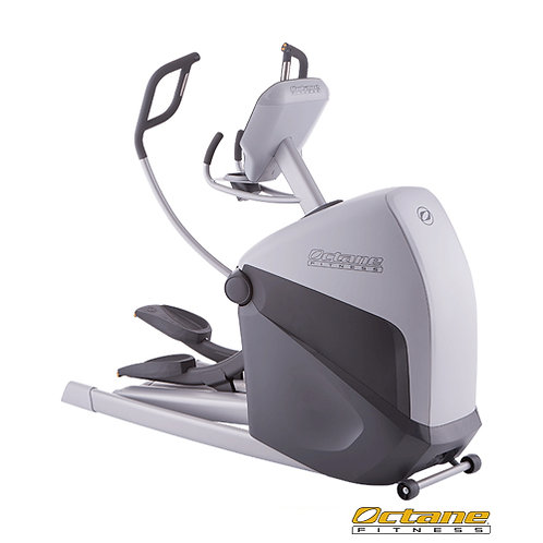 XT4700 Commercial Standing Elliptical w/ Standard Console (Octane Fitness)