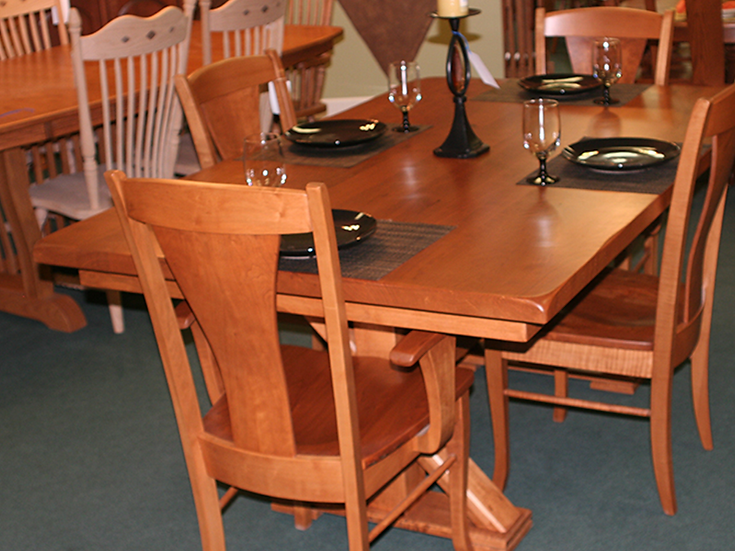 CVO Urbana Table with WEN Woodville Chairs
